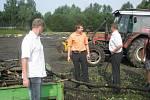 Zahájení výstavby fotbalového hřiště s umělým povrchem.