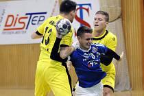 Házenkáři Frýdku-Místku (v modrém) porazili v domácím prostředí Brno rozdílem pěti gólů.