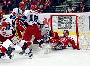 Extraliga hokej: HC Oceláři Třinec - Mountfield HK 0:2