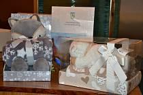 Dárkové balíčky, které dostávají lidé v době Covidu pro svá miminka v Třinci.
