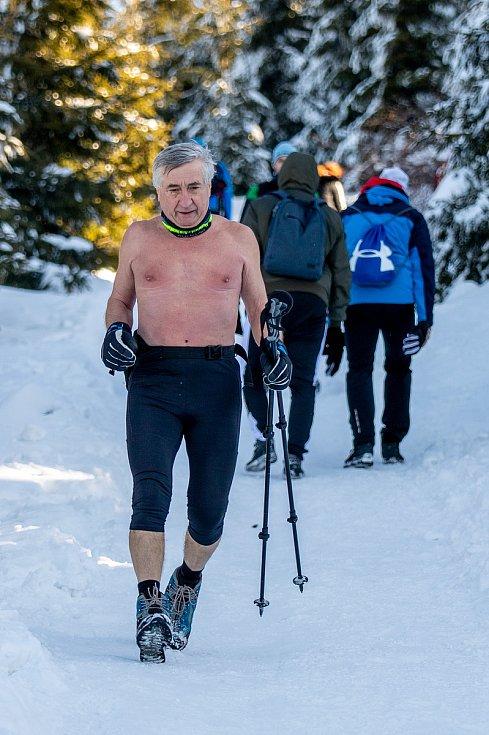 Ján Čupa při výstupu na Lysou horu, 9. února 2020.
