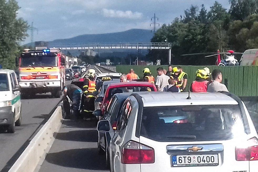 Nehoda mezi Ostravou a Frýdkem-Místkem.