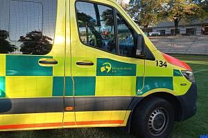 Pro zraněného Nshana Avetisjana musela na hřiště sanitka.