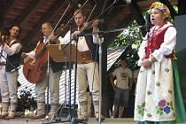 Snímek zachycuje jedno z vystoupení na loňském ročníku mezinárodního festivalu v Jablunkově.