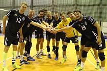 Jako vyjukaní nováčci si zrovna prvoligoví volejbalisté Black Volley Beskydy nepočínají. Po sedmi odehraných zápasech jsou hráči Frýdku-Místku v čele průběžného pořadí.