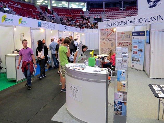 Mezinárodní výstava vynálezů a také řemeslné hry mládeže v Třinci.