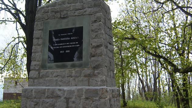 Památník v Kojkovicích připomíná jeho pobyt v této obci a 60. výročí vlády císaře Františka Josefa I.