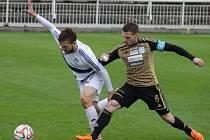 Valcíři nestačili v domácím prostředí na celek Znojma. Jihomoravané ve Stovkách zvítězili 2:0.