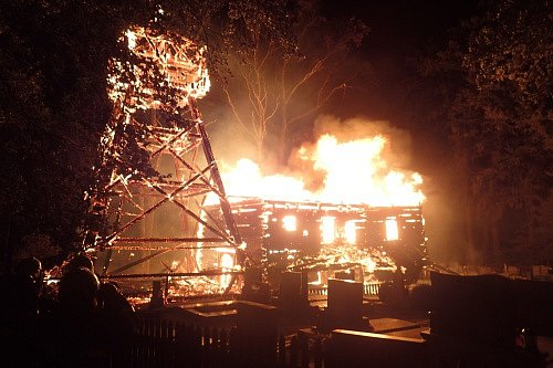 Požár dřevěného kostela vGutech 2.8.2017.