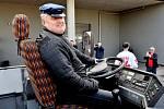 Šofér kabrioletu, bývalý starosta Třince Igor Petrov, se vydal na slavnostní jízdu s mistry už podruhé.