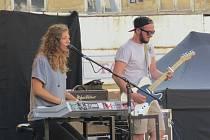 Ve Frýdku-Místku se v pátek konala hudební akce s názvem Hvězdy ve městě. Stovkám návštěvníků se představily kapely Nebe či Lake Malawi, vystoupily i zpěvačky Lenny a Anna K.