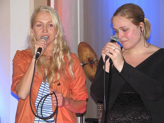 V prostorách sboru CASD ve Frýdku se uskutečnil další z benefičních koncertů iniciátorky Ruth Kantorové.