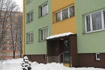 Do sklepa tohoto panelového domu v ulici Josefa Myslivečka ve Frýdku-Místku se vloupal zloděj.