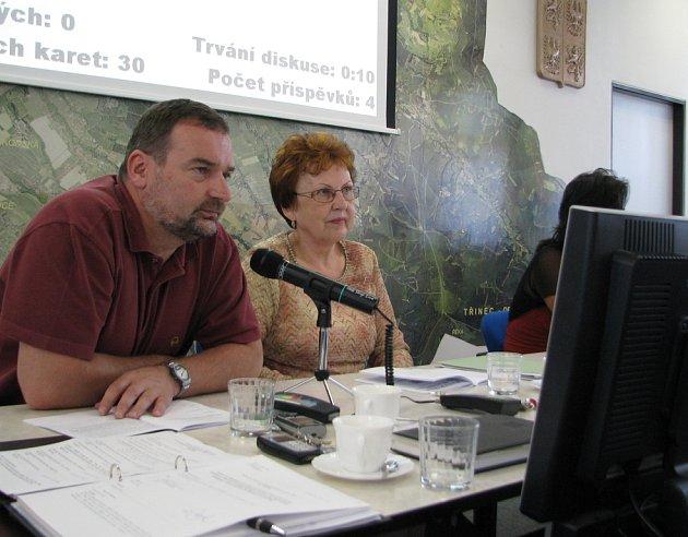 Místostarosta Ivo Kantor hovoří o přípravách projektu revitalizace. Zmínil, že tendrovou dokumentaci již posuzuje Státní fond životního prostředí.