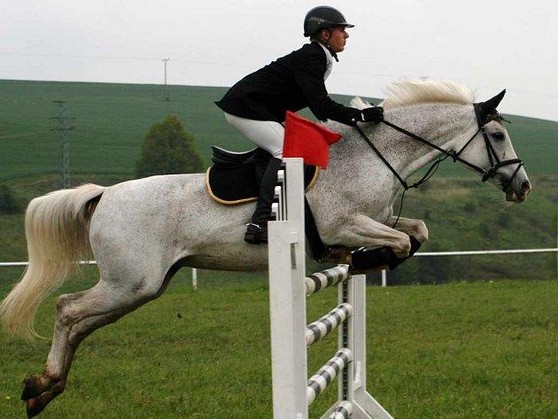 Domácí Jakub Ludvík na koni Suzi vyhrál nejvyšší soutěž stupně.