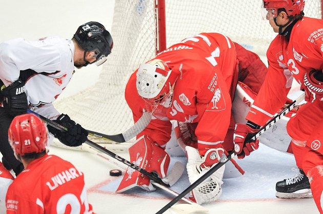 Odvetné utkání osmifinále play off hokejové Ligy mistrů: HC Oceláři Třinec vs. Malmö (Malmo), 7.listopadu vTřinci. Hrubec Jan.