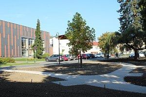 V centru Frýdlantu nad Ostravicí vzniká nový parčík