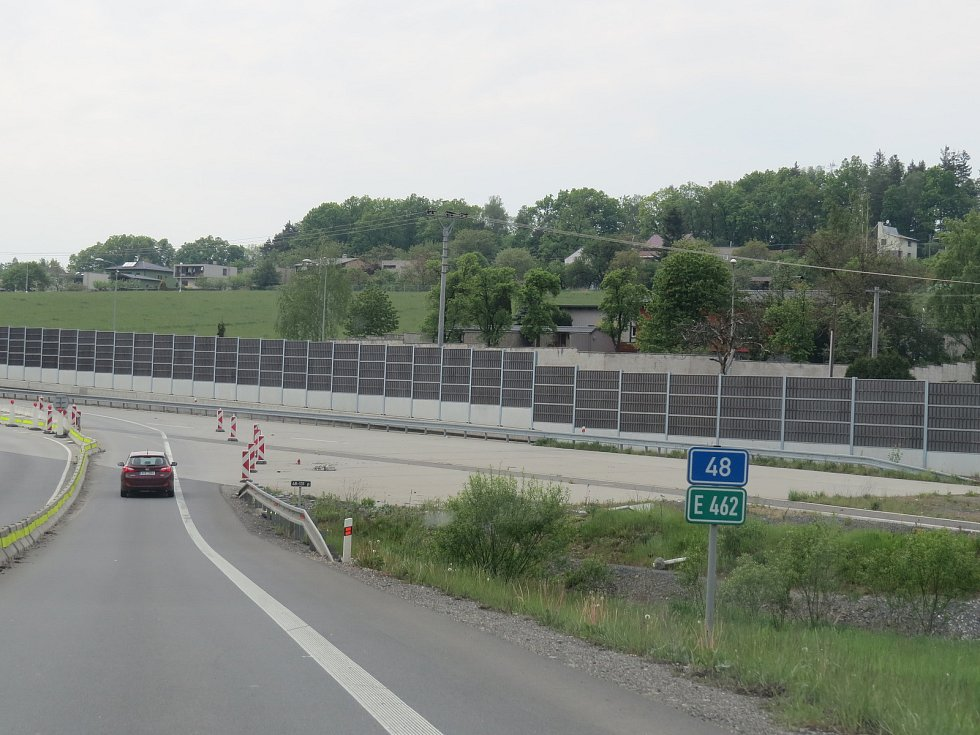 Nový obchvat se napojí na stávající dálnici D48 v Lysůvkách na okraji města.