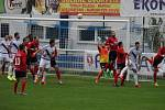 I když vedli Valcíři (v bílém) v poločase nad favorizovaným Táborskem o dvě branky, skončilo nakonec utkání smírně 3:3.