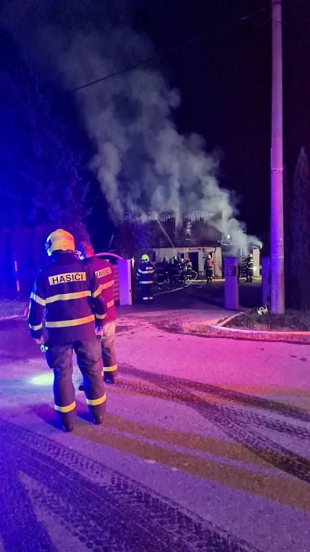 Požár v Dolních Domaslavicích.