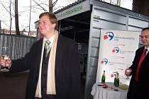 Ve Frýdku -Místku byl slavnostním křtem uveden do provozu E-domek, sloužící obyvatelům k odevzdání nepotřebných elektospotřebičů.
