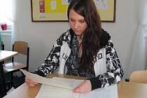 Kateřina Karásková při studiu.