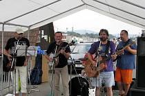 Mostecké léto obohatí také vystoupení skupiny Blaf.
