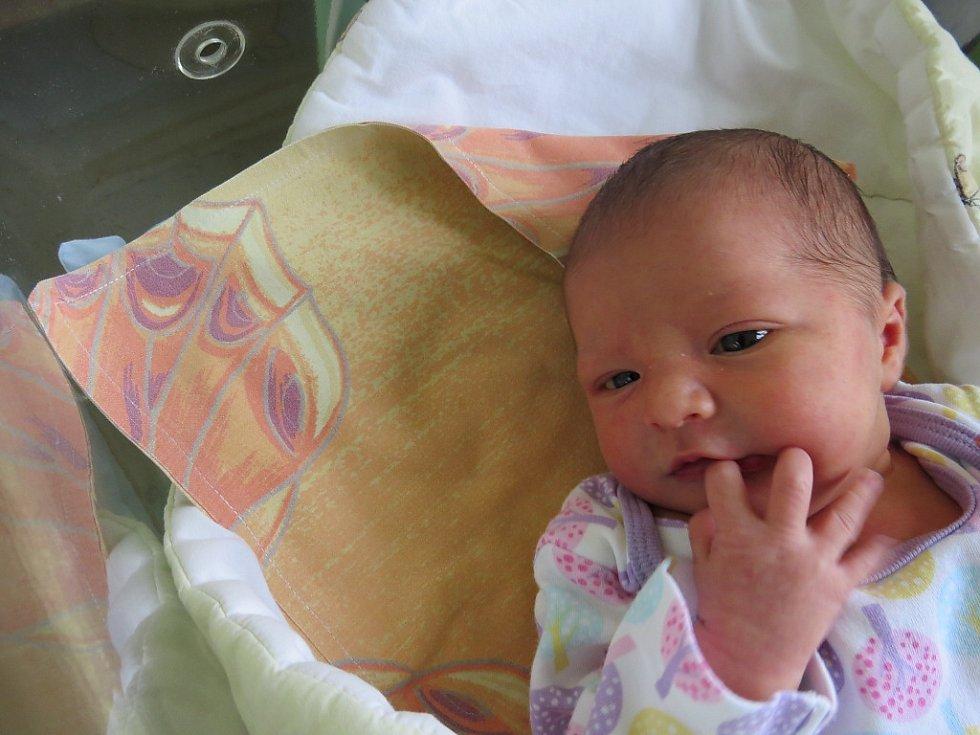 Eliška Schromová, Janovice, nar. 18. 4., 47 cm, 3,30 kg.  Nemocnice ve Frýdku-Místku.