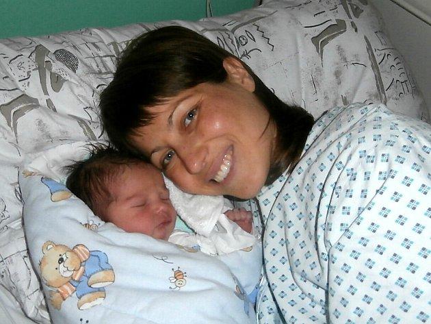Sebastián Štěrba s maminkou, Pstruží, nar. 18. 10., 50 cm, 3,46 kg. Nemocnice ve Frýdku-Místku.