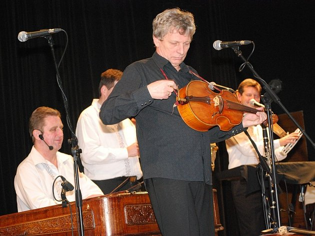 Hradišťan a Jiří Pavlica, to byly hvězdy benefičního koncertu v loňském roce. Ilustrační foto.