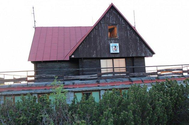 Stará budova horské služby na Lysé hoře šla loni kzemi.