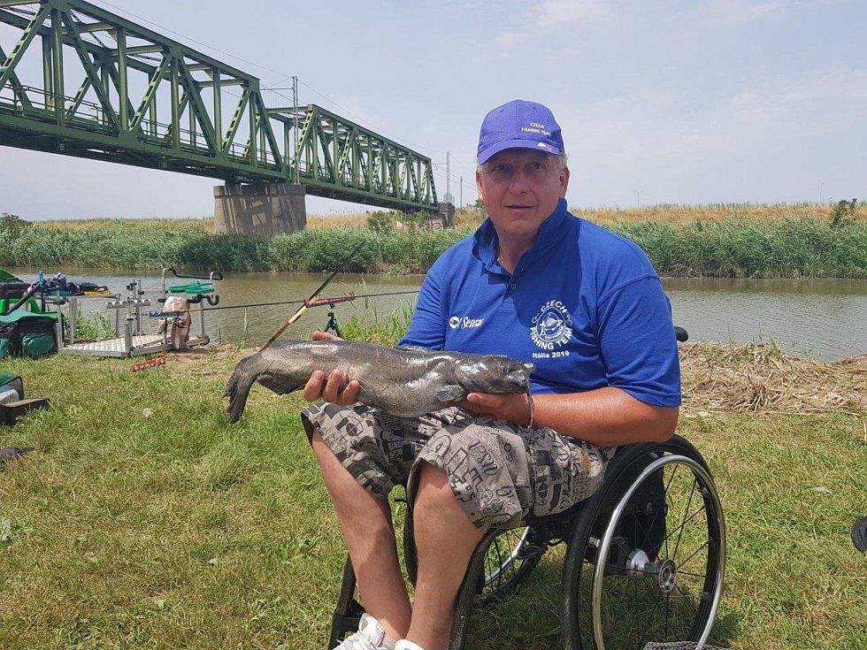 Radim Kozlovský ovládl mistrovství světa handicapovaných ve sportovním rybolovu.