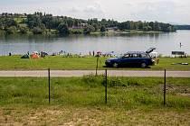 Žermanická přehrada, červenec 2020. V okolí se nabízí hned několik možností ubytování.