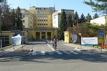Nemocnice Třinec zřídila kontrolní vstup.