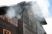 Požár fary ve Starých Hamrech.