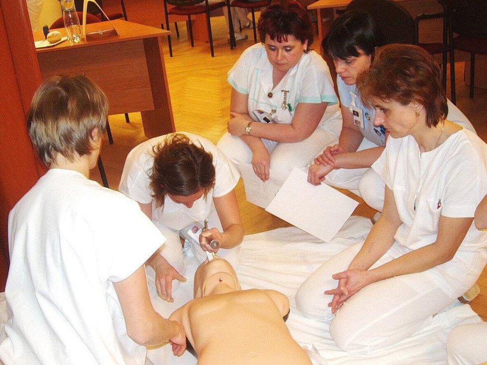 Praktické vzdělávání zdravotníků v Nemocnici Třinec.