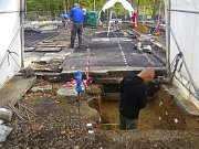 Archeologové prohledávají místo, kde stál kostel v Třinci-Gutech.