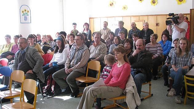 Škola v Morávce vyvolává u rodičů i kantorů obavy