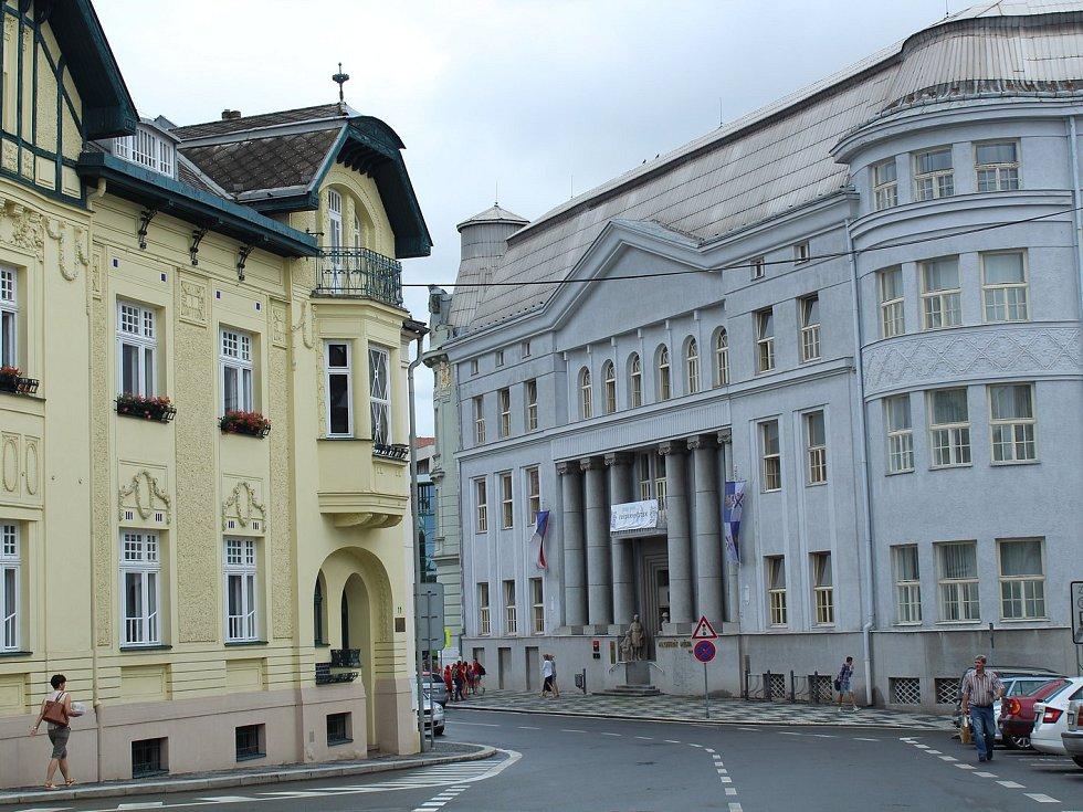 Radniční ulici u frýdeckého magistrátu.
