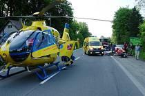 V neděli před sedmnáctou hodinou zasahovali záchranáři v Nové Dědině u Frýdlantu nad Ostravicí. Došlo zde ke srážce dvou motorek.