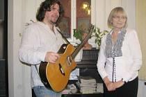 Pavel Býma a Lydie Romanská, dva protagonisté minulého ročníku ve frýdecké knihovně.