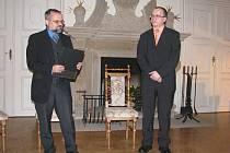 Fotograf Miroslav Lysek z Frýdku-Místku (na snímku vlevo) je tělem i duší krajinář. Za sebou už má kolem padesáti autorských výstav.