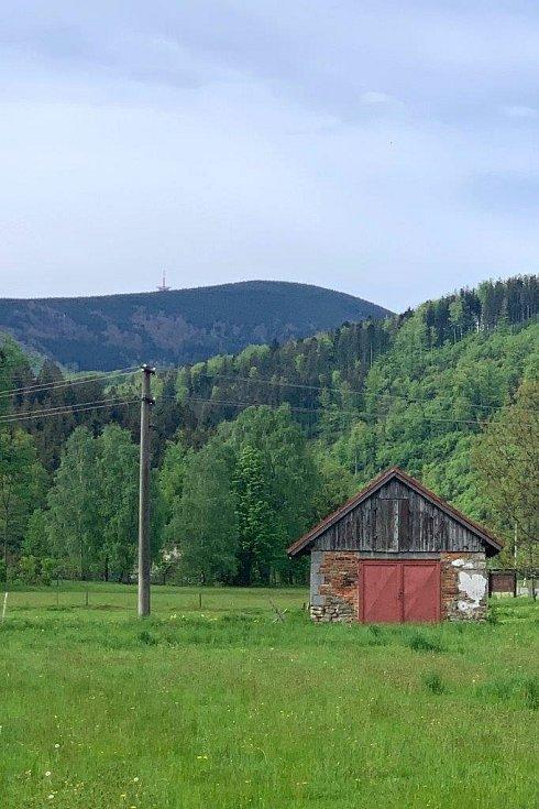 Deník na návštěvě v Raškovicích - pohled na Lysou.