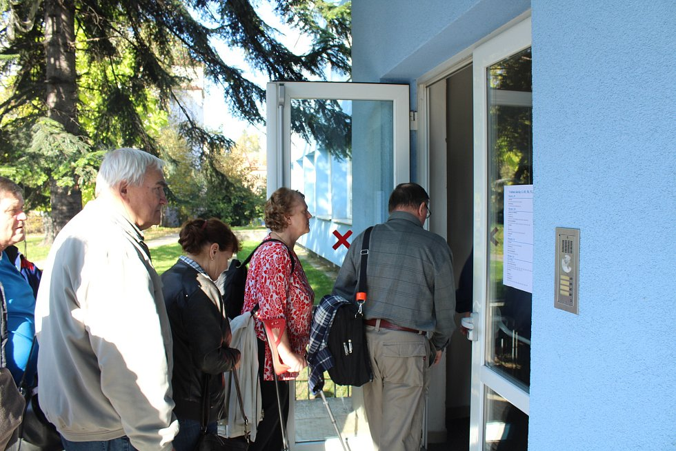Volby v místecké základní škole Pionýrů 400.