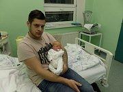 Noemi Pavlíková s tatínkem, Třinec, nar. 25.12., 50 cm, 3,29 kg, Nemocnice Třinec.