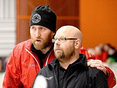 Trenéři Frýdku-Místku Jiří Juřík (vpravo) a Marek Malík jistě své svěřence na rozhodující zápasy kvalifikace o WSM ligu dobře připraví.