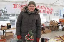Karolína Liszková na Vánočním jarmarku v Třinci, jehož součástí byl i dobročinný bazar pro Slezskou diakonii.