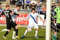 Fotbalisté Frýdku-Místku na domácím hřišti nestačili Žižkovu a podlehli mu 0:2.