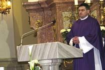 Bazilika minor Navštívení Panny Marie ve Frýdku v sobotu hostila Mši svatou za oběti tragédie ve Smolensku.