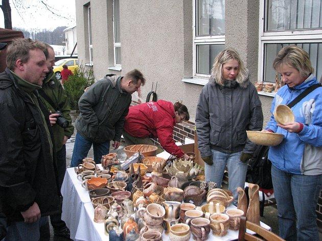 Tradiční vánoční jarmark s lidovými řemesly Souznění proběhl tuto sobotu 21. prosince v centru obce Kozlovice.